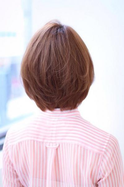 前髪と顔まわりでみせる丸顔でも絶対小顔ボブ(TT-31)